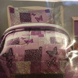 Purple butterfly twin comforter and 1 sham